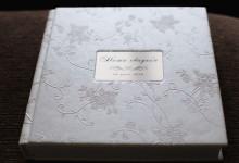 Свадебная книга из ваших фотографий с алюминиевой вставкой по центру